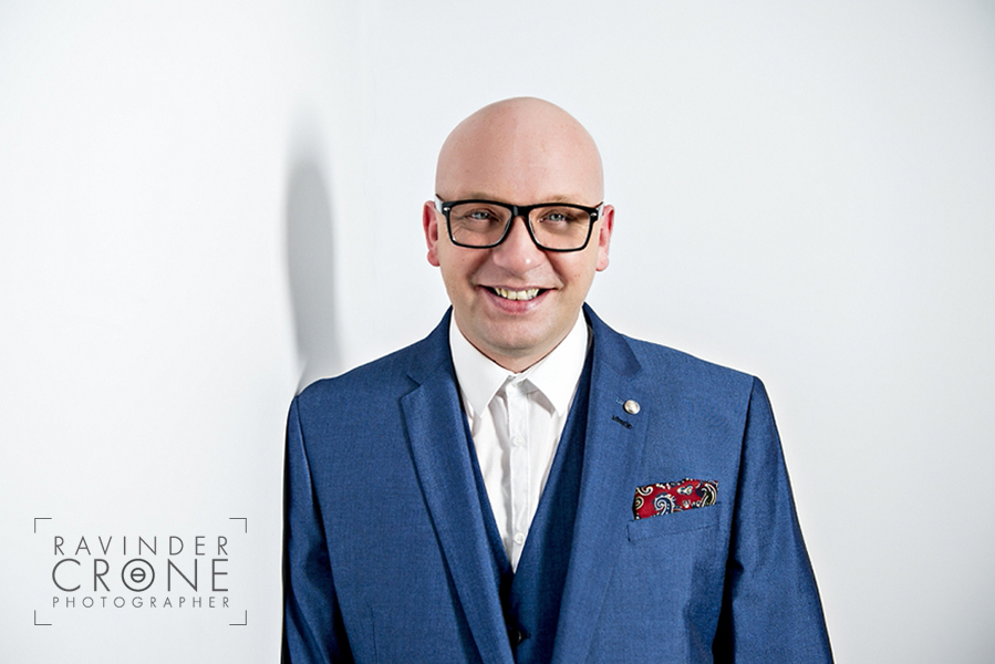 1_Ravinder_Crone_Photographer_Headshots_Grant_Colyer_Celebrity_Psychic_Medium_Mr_Validator